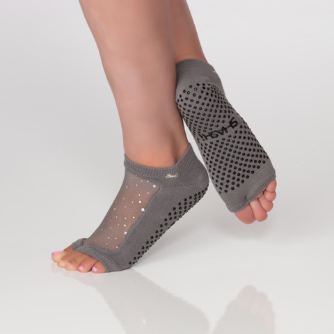 Star open toe charcoal